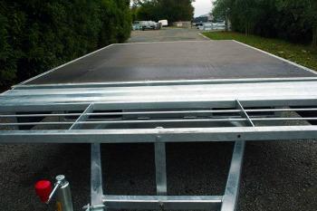 quality flat deck tandem trailer